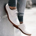 Pantofii albi – manevra vestimentara de vara